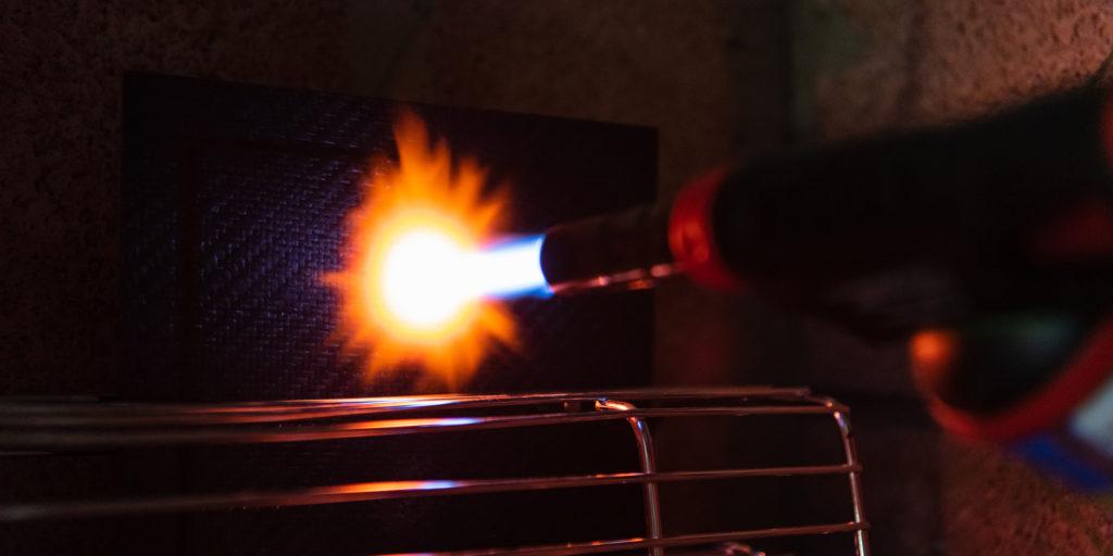 Test de résistance au feu d'une épreuve en carbone pour notre système de protection anti-feu batteries